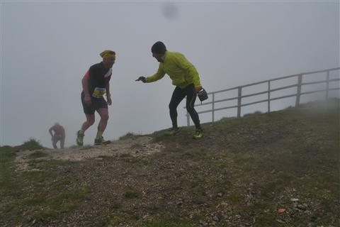 TRAIL di PIZZO San Michele N°3157 FOTO scattate a raffica in VETTA da Peppe Dalessio con nebbia e gran freddo - foto 1028
