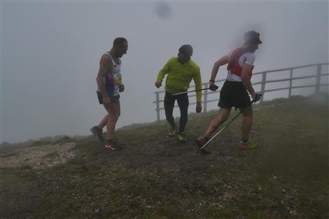TRAIL di PIZZO San Michele N°3157 FOTO scattate a raffica in VETTA da Peppe Dalessio con nebbia e gran freddo - foto 1127