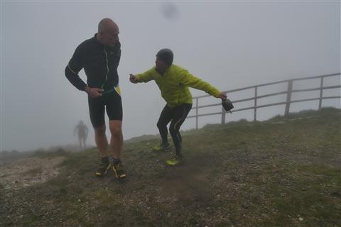 TRAIL di PIZZO San Michele N°3157 FOTO scattate a raffica in VETTA da Peppe Dalessio con nebbia e gran freddo - foto 1182