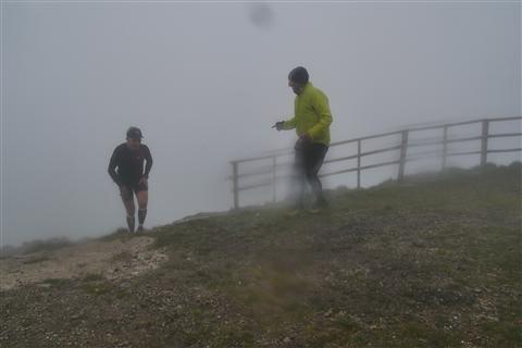 TRAIL di PIZZO San Michele N°3157 FOTO scattate a raffica in VETTA da Peppe Dalessio con nebbia e gran freddo - foto 1190