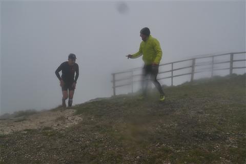 TRAIL di PIZZO San Michele N°3157 FOTO scattate a raffica in VETTA da Peppe Dalessio con nebbia e gran freddo - foto 1193