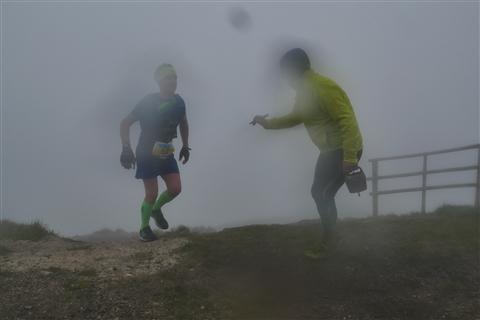 TRAIL di PIZZO San Michele N°3157 FOTO scattate a raffica in VETTA da Peppe Dalessio con nebbia e gran freddo - foto 1489