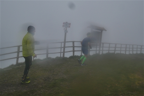 TRAIL di PIZZO San Michele N°3157 FOTO scattate a raffica in VETTA da Peppe Dalessio con nebbia e gran freddo - foto 1528